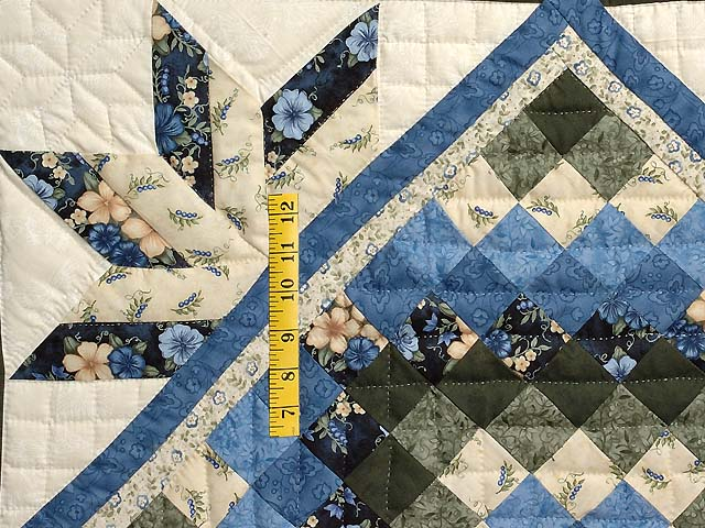 Blue Cream and Dark Green Commons Star Medallion Quilt Photo 5