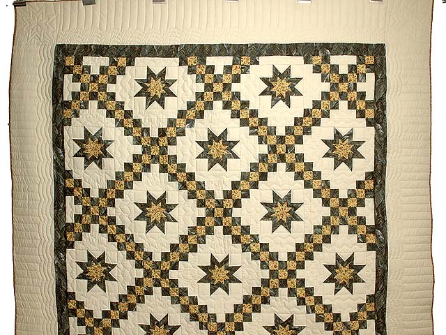 Marble and Gold Star Irish Chain Quilt Photo 2
