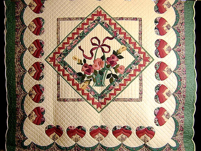 Green and Rose Garden Basket Applique Quilt Photo 2