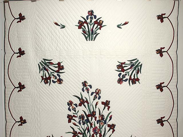 Burgundy and Navy Iris Applique Quilt Photo 2