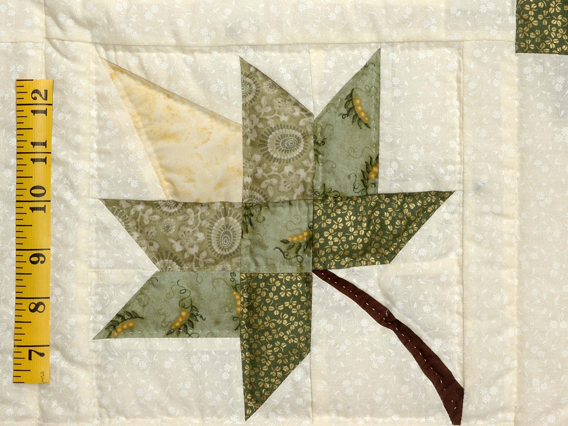 Green Gold and Yellow Cabin Splendor  Quilt Photo 5