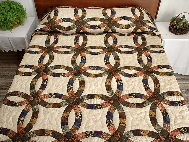 Gold Black and Tan Double Wedding Ring Quilt Photo 1