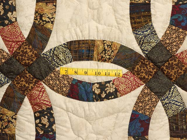 Gold Black and Tan Double Wedding Ring Quilt Photo 4