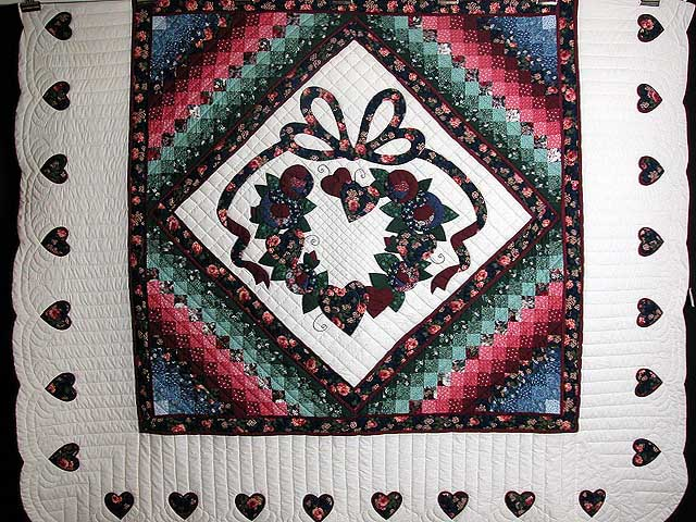 Country Love in the Commons Applique Quilt Photo 3