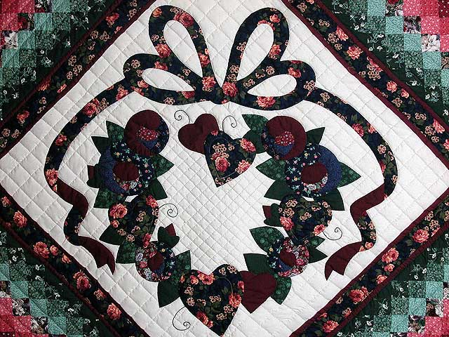 Country Love in the Commons Applique Quilt Photo 4