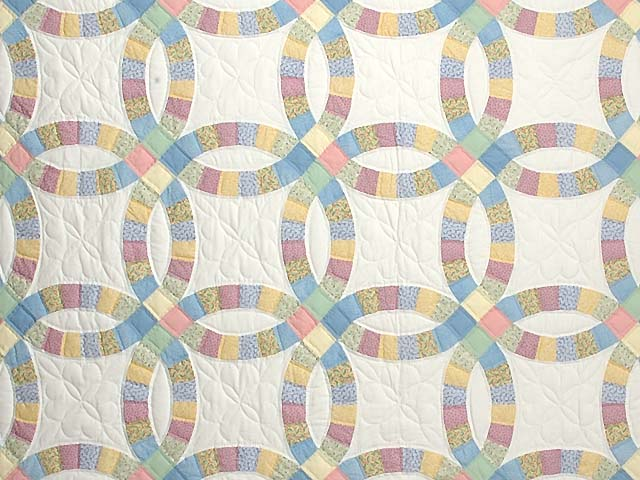 Extra Fine Pastel Double Wedding Ring Quilt Photo 3