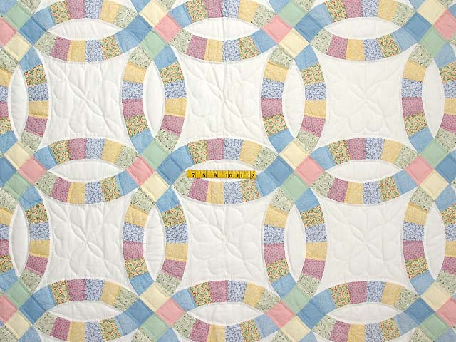 Extra Fine Pastel Double Wedding Ring Quilt Photo 4