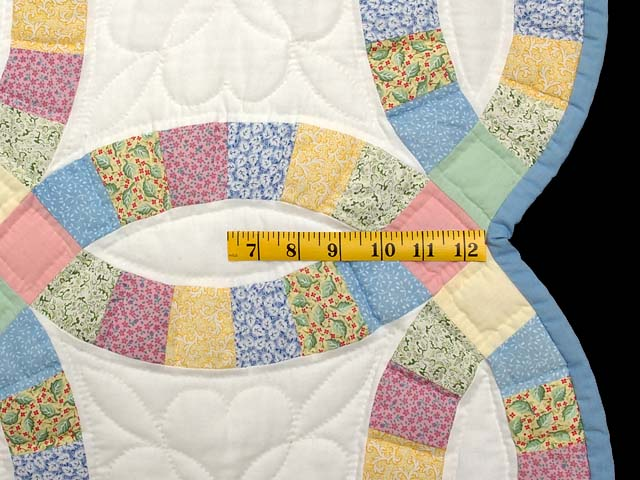 Extra Fine Pastel Double Wedding Ring Quilt Photo 7