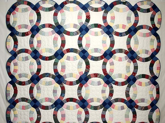 Multicolor Double Wedding Ring Quilt Photo 2