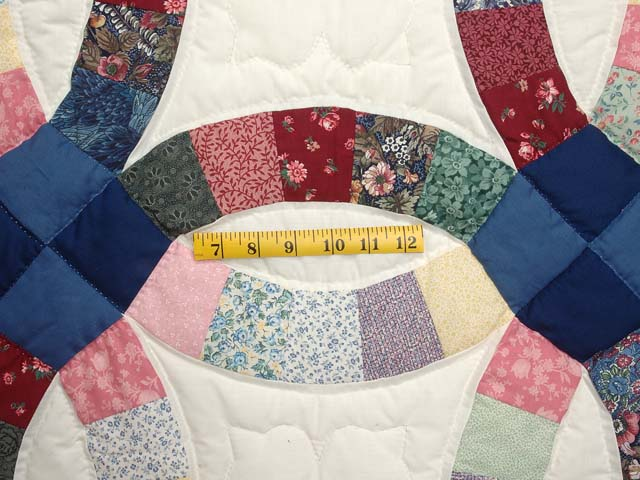 Multicolor Double Wedding Ring Quilt Photo 5