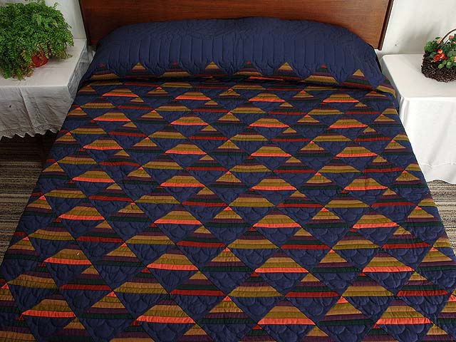 Amish Antique Colors Shadows Quilt Photo 1