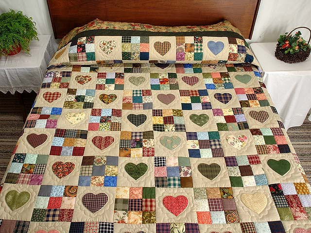 King  Multicolor Hearts and Nine Patch Quilt Photo 1