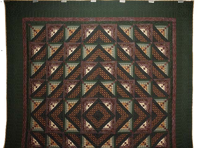 Plum and Green Somerset Quilt Photo 2