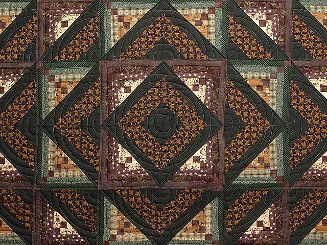 Plum and Green Somerset Quilt Photo 3