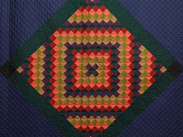Amish Sunshine Diamond Quilt Photo 3