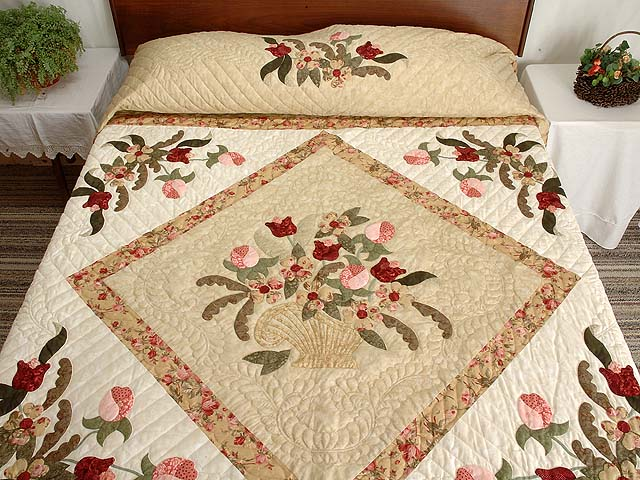 King  Rose and Gold  Spring Basket Quilt Photo 1