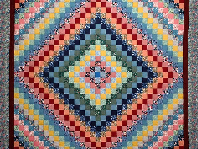 Multicolor Trip Around the World Quilt Photo 3