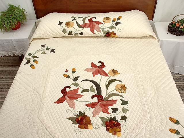 King Gold Sage and Brick Red Petal Showcase Quilt Photo 1