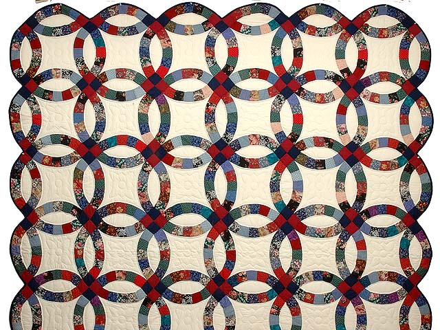 Red Navy and Multicolor Double Wedding Ring Quilt Photo 2