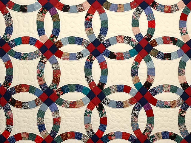 Red Navy and Multicolor Double Wedding Ring Quilt Photo 3