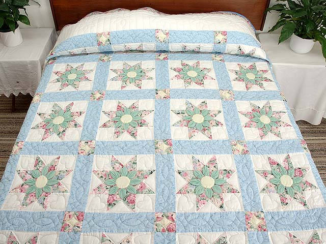Pastel Blue Rose and Green Dahlia Star Quilt Photo 1