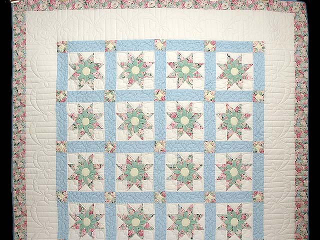 Pastel Blue Rose and Green Dahlia Star Quilt Photo 2