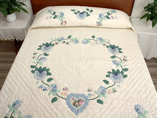 Blue Mint and Ivory Heart of Roses Quilt Photo 1