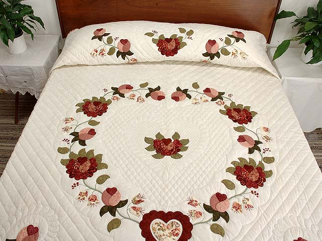 Dusty Rose and Moss Heart of Roses Quilt Photo 1