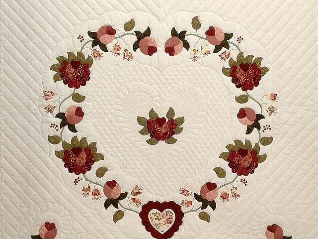 Dusty Rose and Moss Heart of Roses Quilt Photo 3