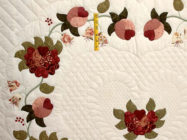 Dusty Rose and Moss Heart of Roses Quilt Photo 4