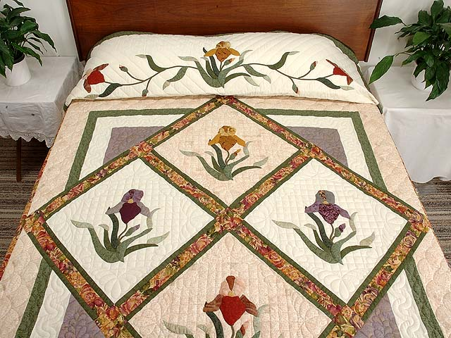 Iris Delight Applique Quilt Photo 1