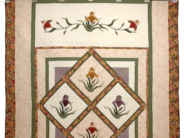 Iris Delight Applique Quilt Photo 2