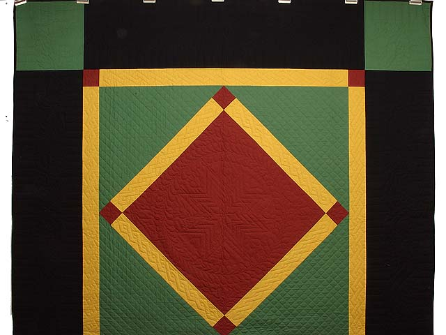 Extra Fine Midwestern Amish Colors Center Diamond Quilt Photo 2