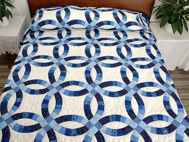 Double Wedding Ring Quilt outstanding carefully made Amish Quilts