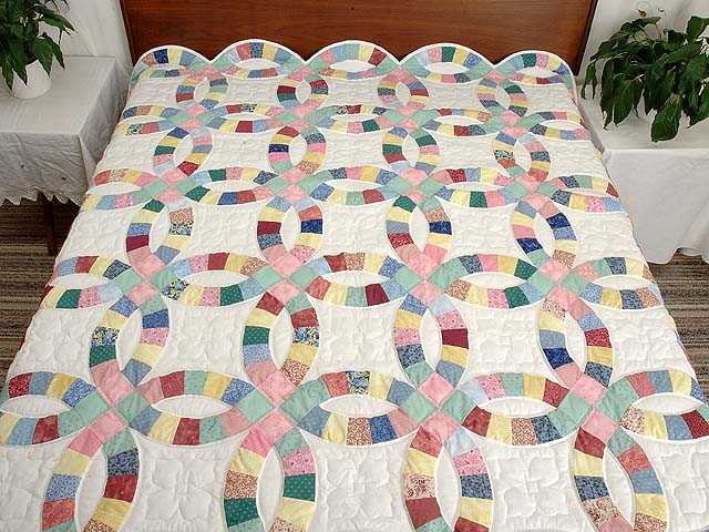 Twin Pastel Double Wedding Ring Quilt Photo 1