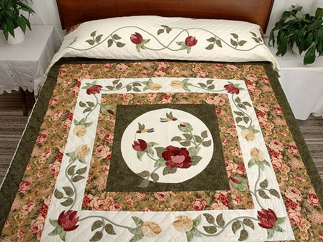 Green Gold and Rose I Promised You a Rose Garden Quilt Photo 1