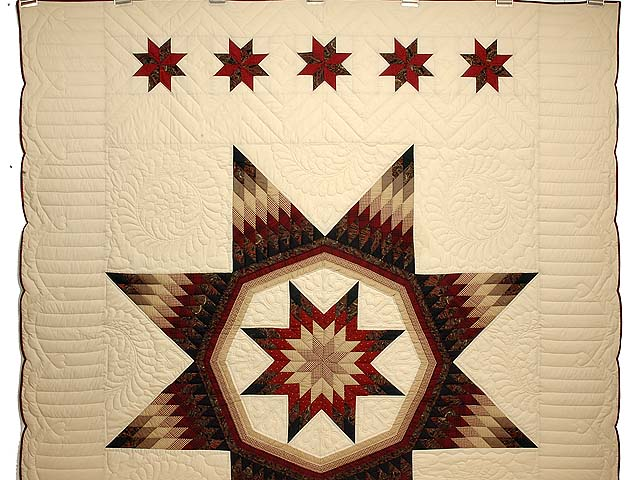 Country Colors Royal Star of Maryland Quilt Photo 2