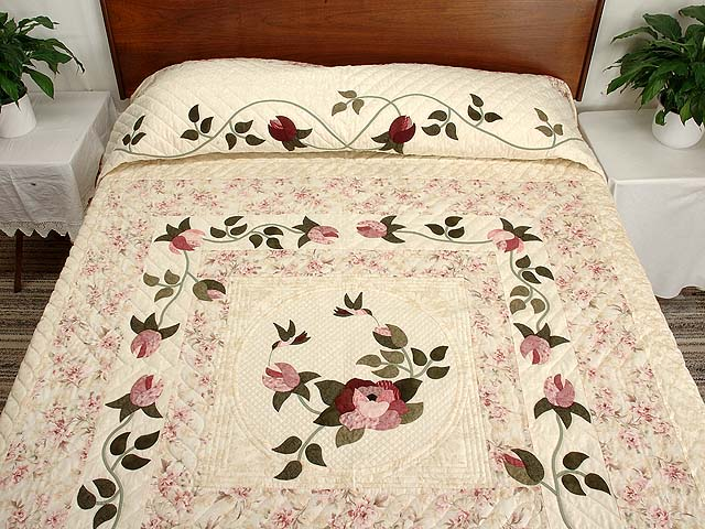 Rose and Cream I Promised You a Rose Garden Quilt Photo 1