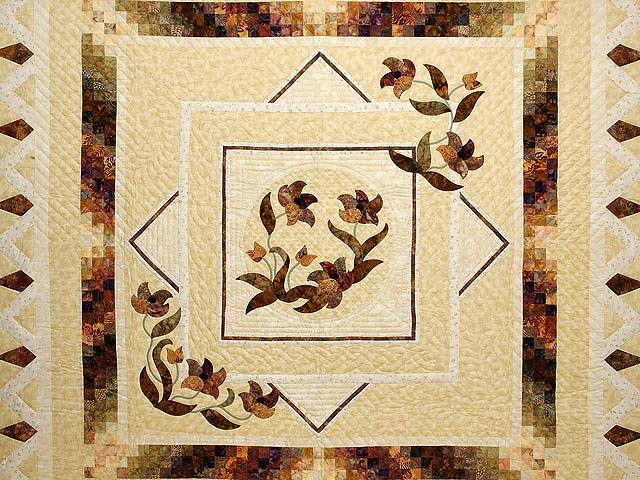 Neutrals Gold and Plum Rainbow Reflection Quilt Photo 3