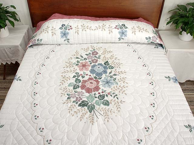 Cross Stitch Floral Bouquet Quilt Photo 1