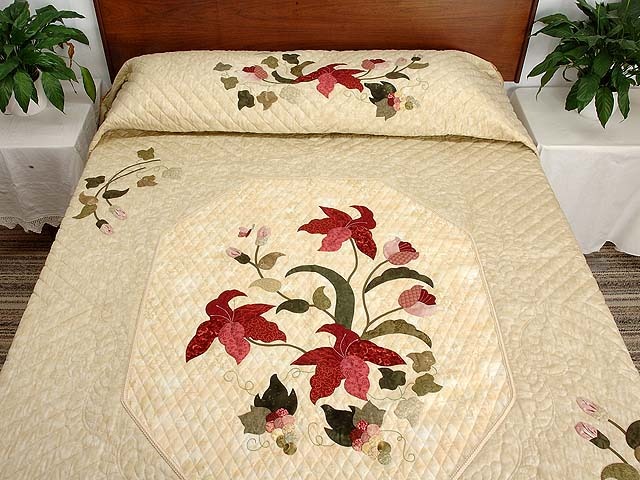 King Rose Tan and Moss Petal Showcase Quilt Photo 1
