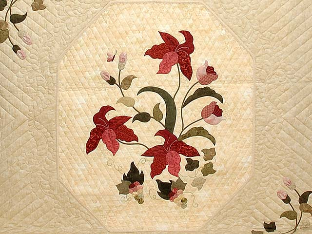King Rose Tan and Moss Petal Showcase Quilt Photo 3
