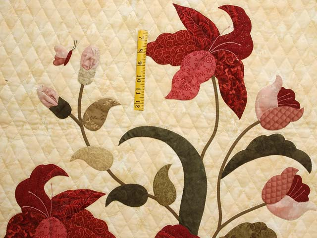 King Rose Tan and Moss Petal Showcase Quilt Photo 4