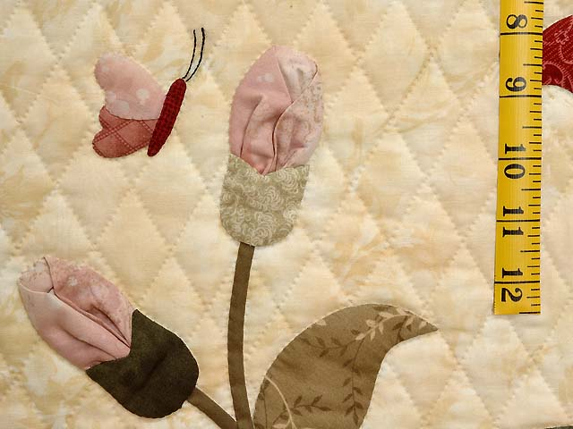 King Rose Tan and Moss Petal Showcase Quilt Photo 5