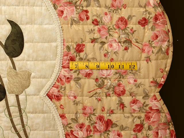King Rose Tan and Moss Petal Showcase Quilt Photo 7