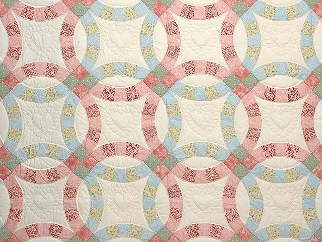 Pastel Pink and Blue Double Wedding Ring Quilt Photo 3