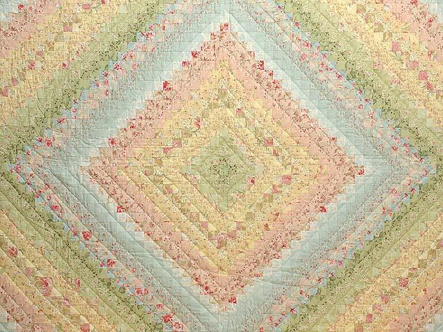 Willow and Pastels Color Splash Quilt Photo 3