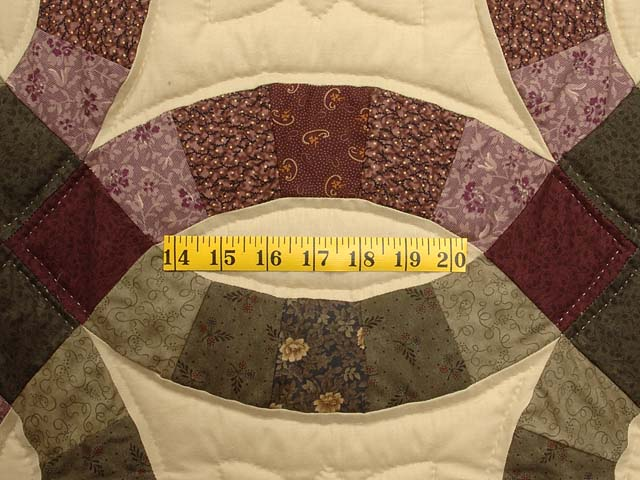 Purple Green and Tan Double Wedding Ring Quilt Photo 5