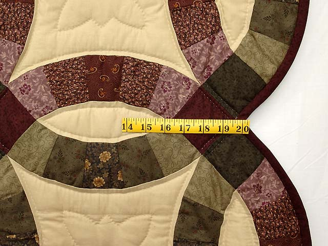Purple Green and Tan Double Wedding Ring Quilt Photo 7
