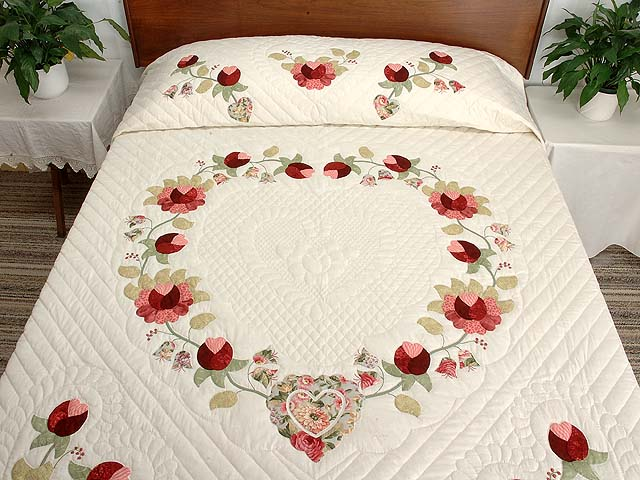 Willow and Paprika Heart of Roses Quilt Photo 1